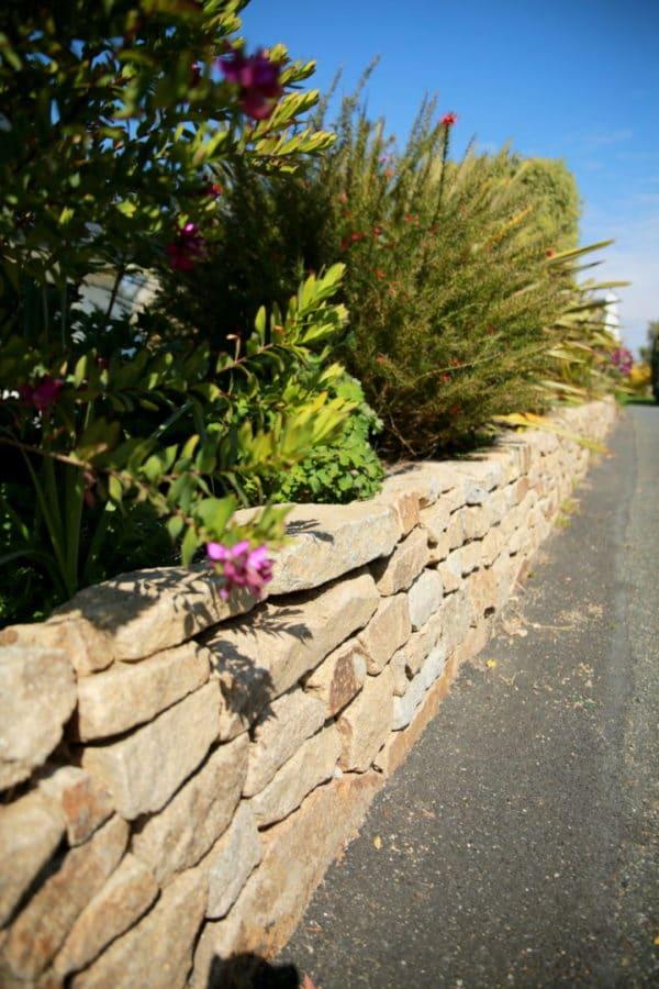 Muret pierre maturelle Loctudy - Retenue de terre en pierre