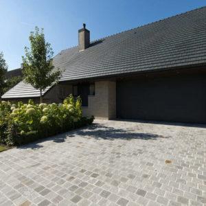 entree pavee pierre naturelle gres gris Loctudy - Allées de jardin